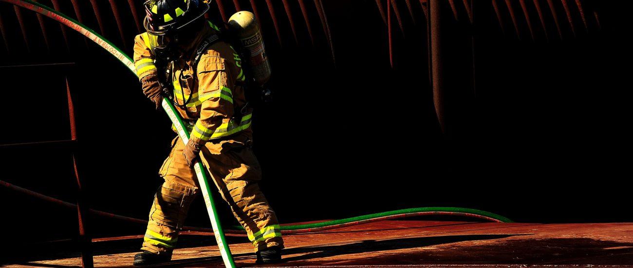 firefighter-816590